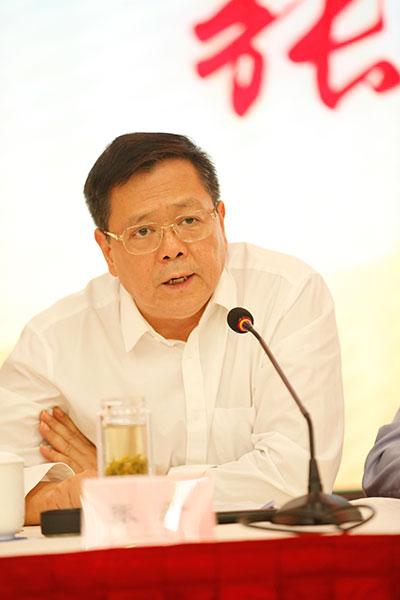 ▲省新闻出版广电局党组书记、局长张严